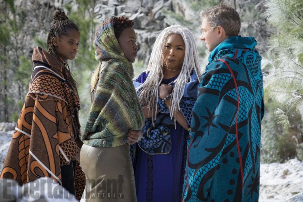 Martin Freeman junto a las Dora Milaje