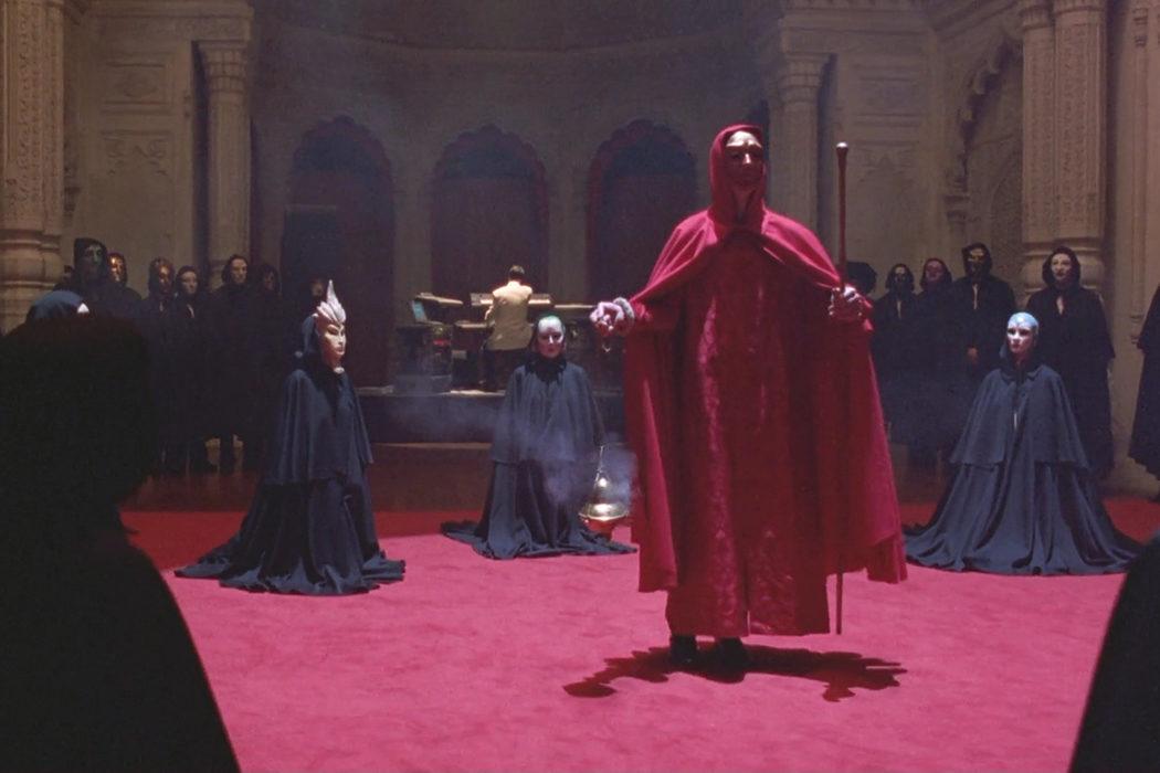 Una orgía vestidos de monjes y monjas