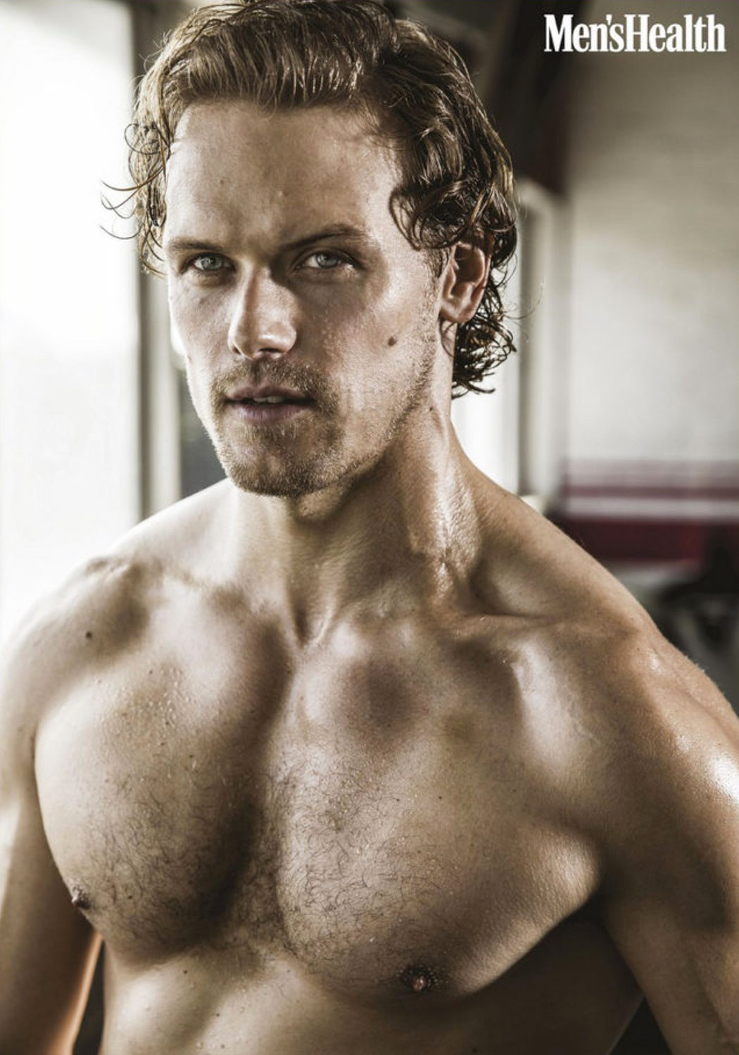 Sam Heughan luce cuerpo en Men's Health South Africa