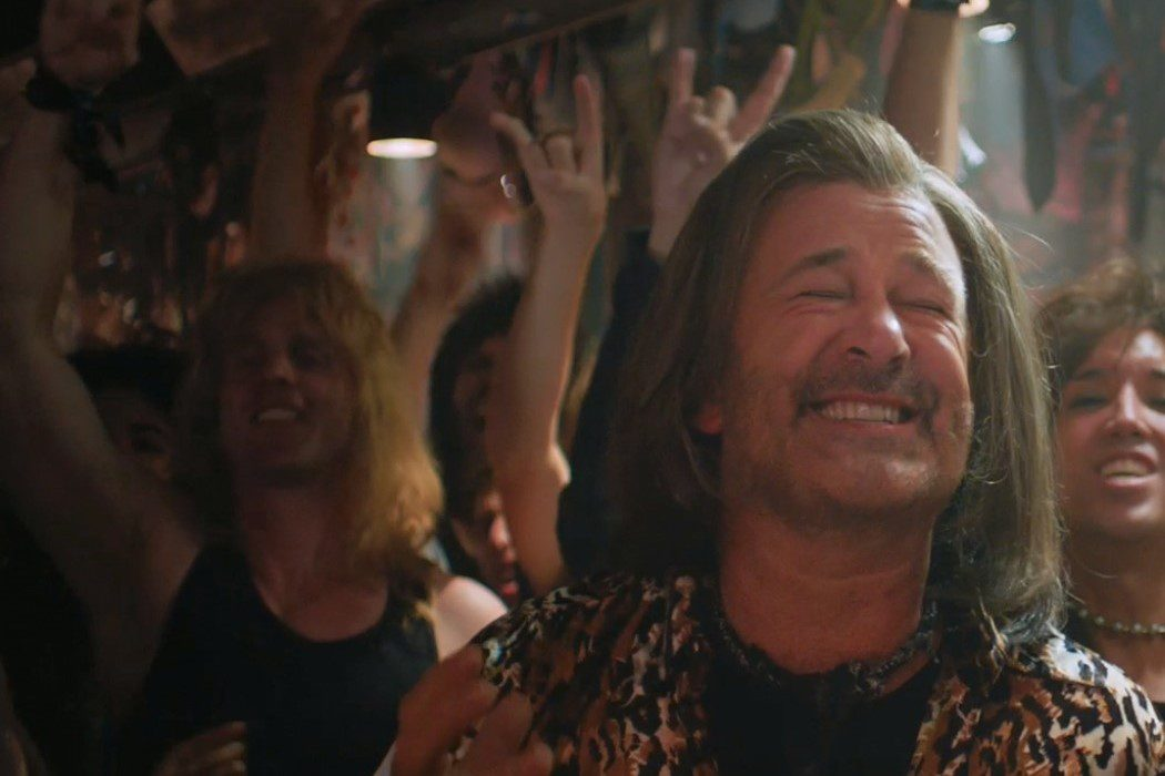 Alec Baldwin: 'Rock of Ages (La era del rock)'