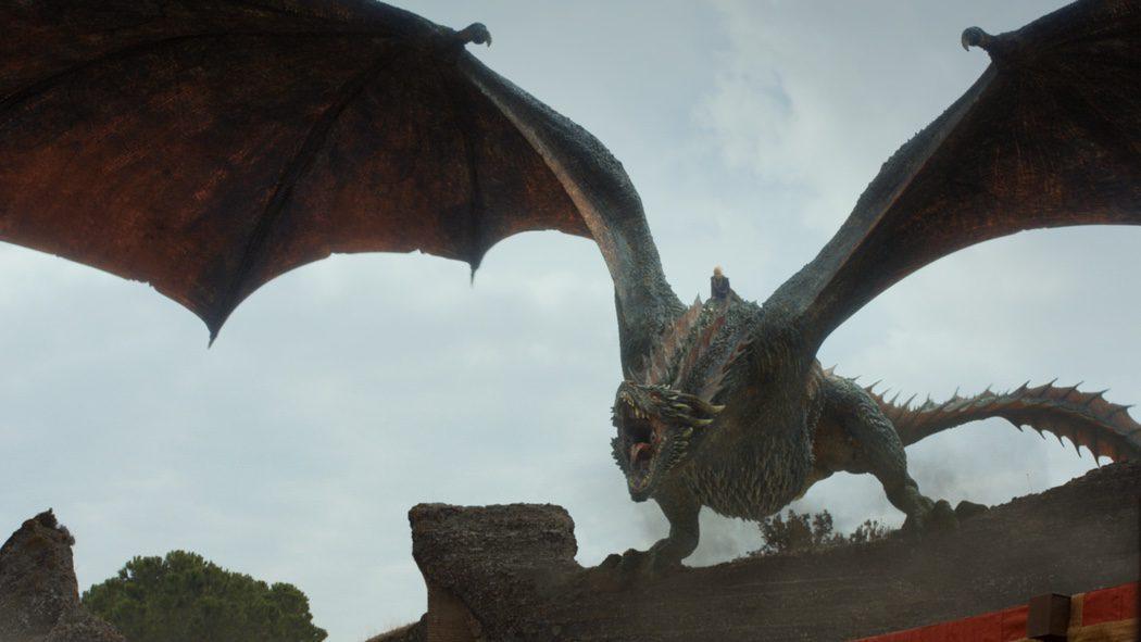 Daenerys haciendo acto de presencia con Drogon