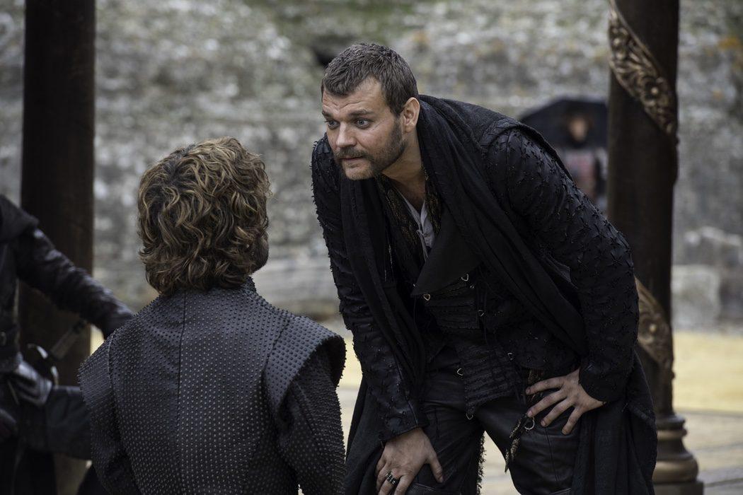 Euron Greyjoy y Tyrion conversando
