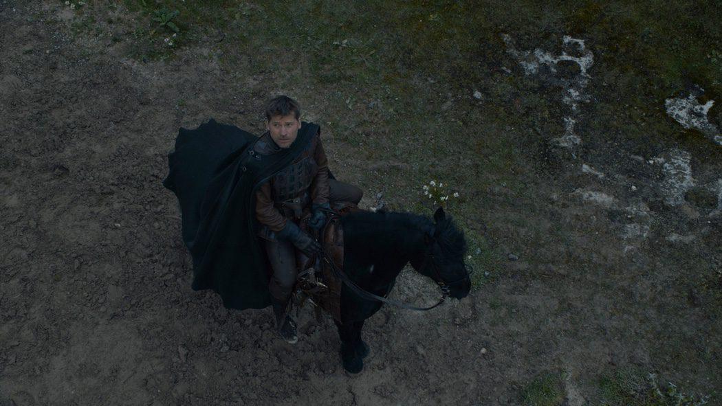 Jaime Lannister mirando al cielo