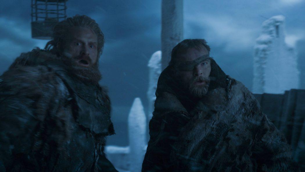 Tormund y Beric Dondarrion, atónitos ante lo que se avecina