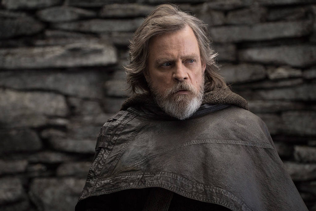 Luke Skywalker vestido con una toga de cuero