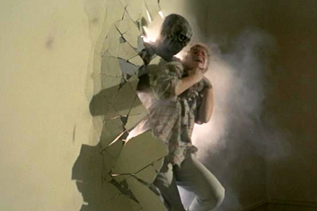 'Zombie 5: Killing Birds'