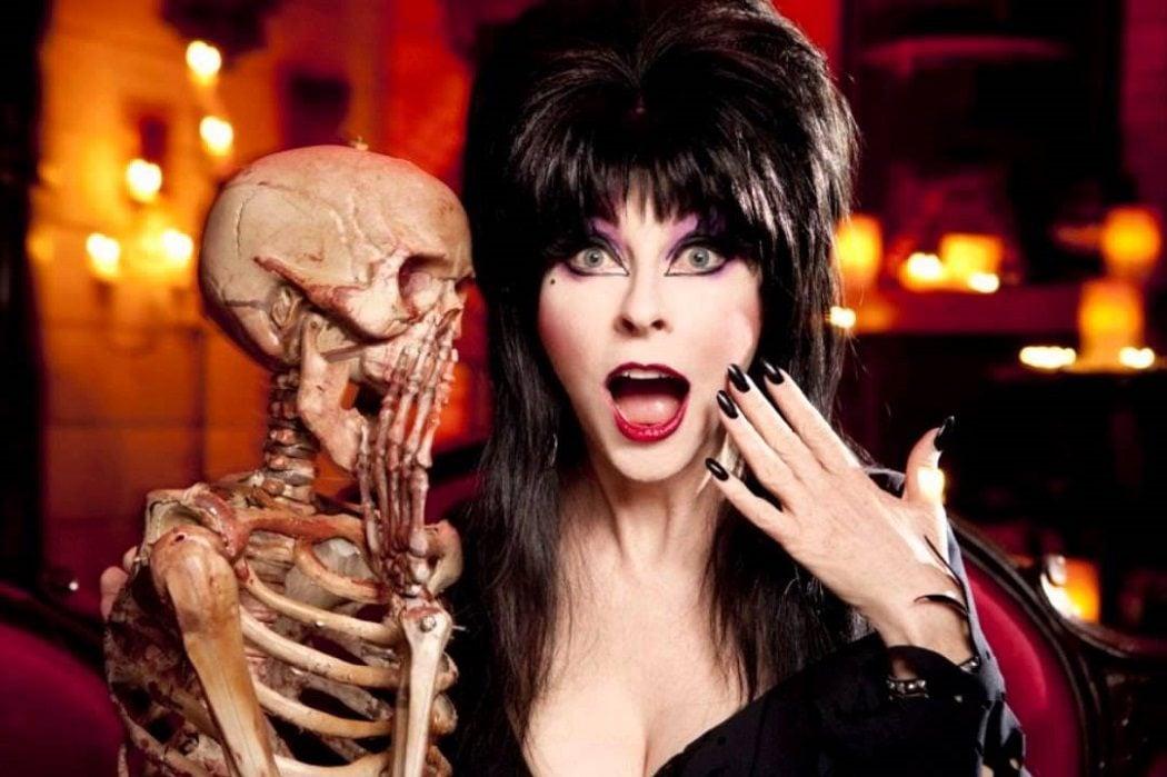 Todo sobre Elvira, el icono gótico interpretado por Cassandra ...