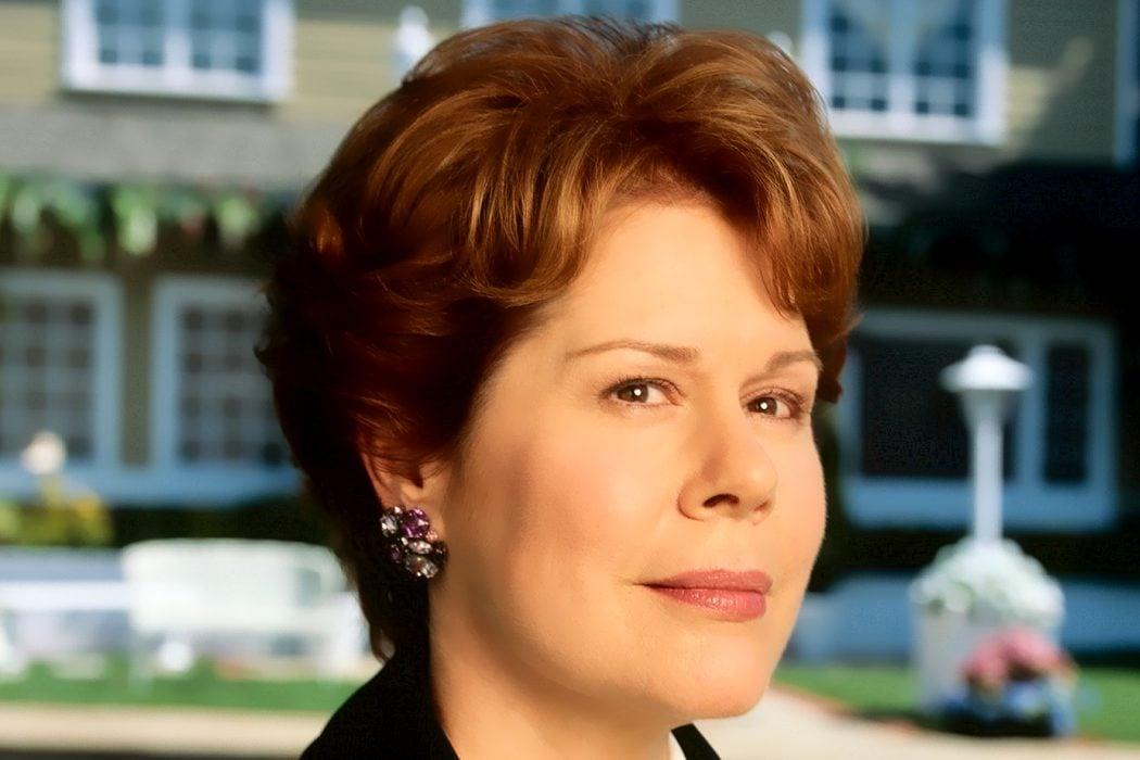 Martha Huber (Christine Estabrook)