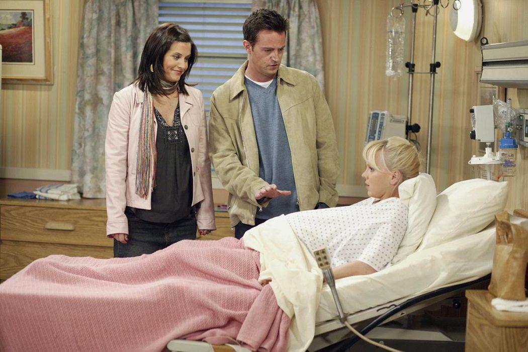 Por dar a luz a los gemelos de Monica y Chandler