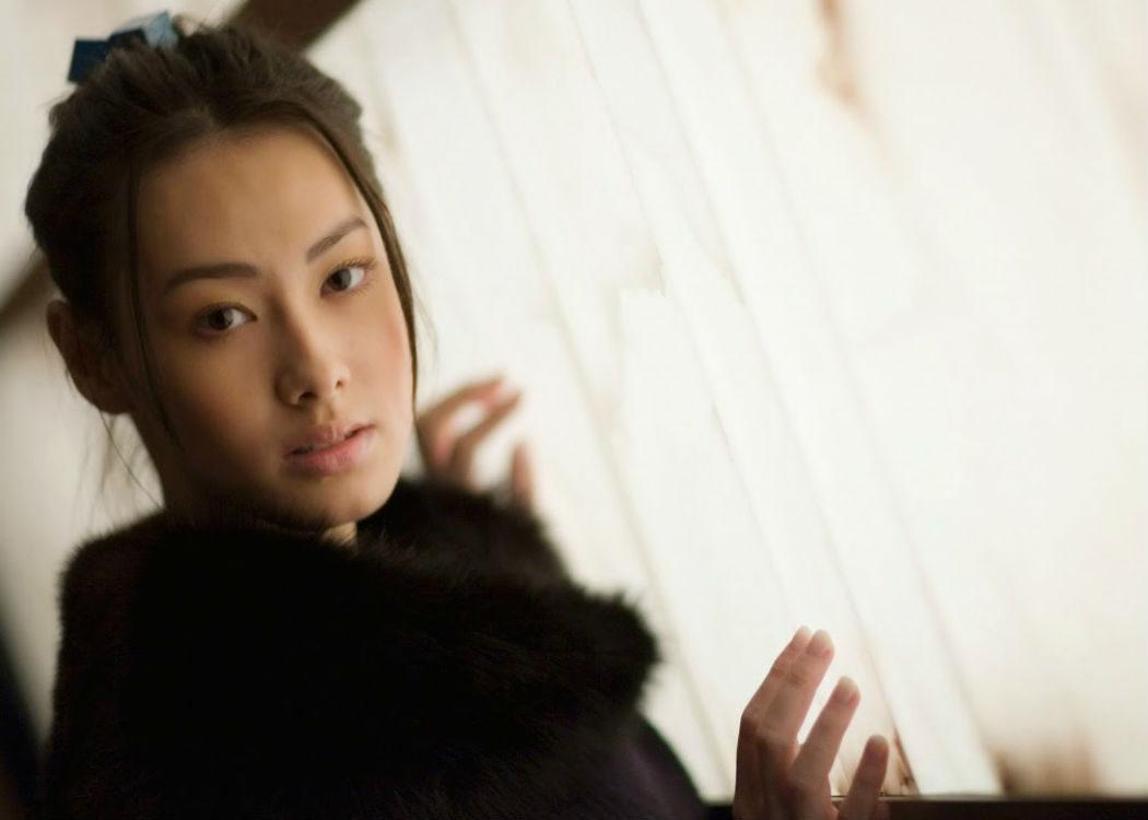 Michelle Yeoh Choo-Kheng: 35 años (En Malasia no envejecen)