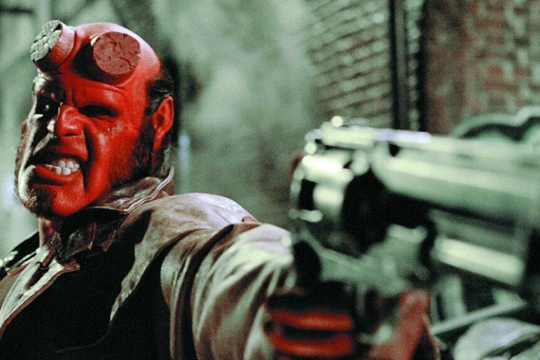 Su dedicación para convertirse en Hellboy