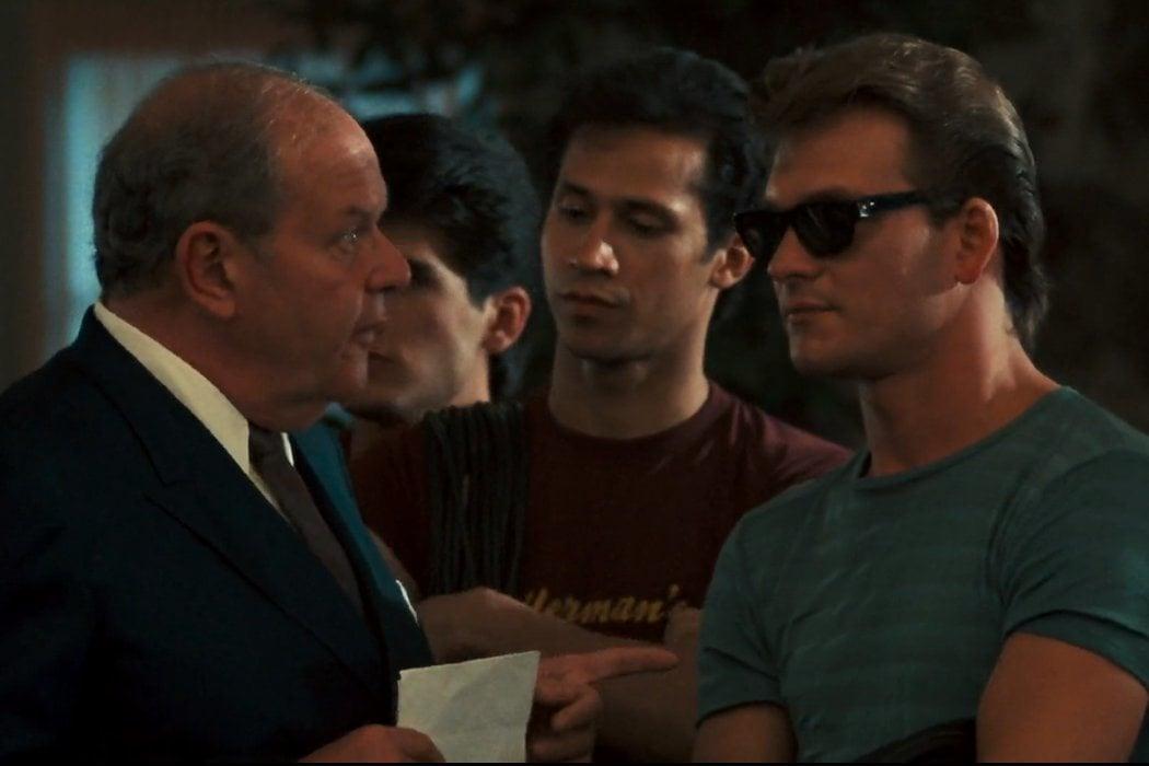 Johnny, su chupa y sus gafas de sol