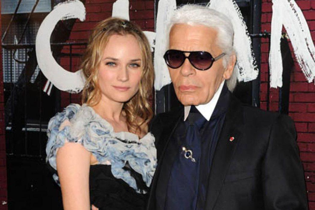 Es íntima amiga de Karl Lagerfeld y todo un icono de moda