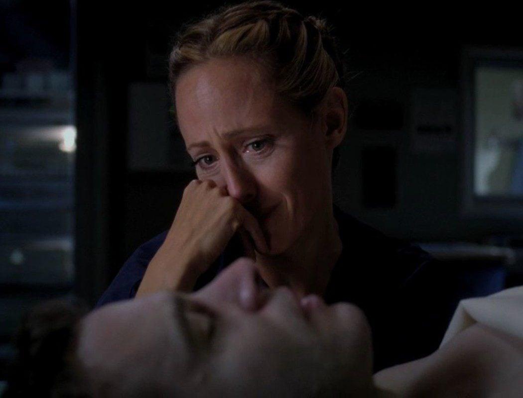 Henry muere (Temporada 8)