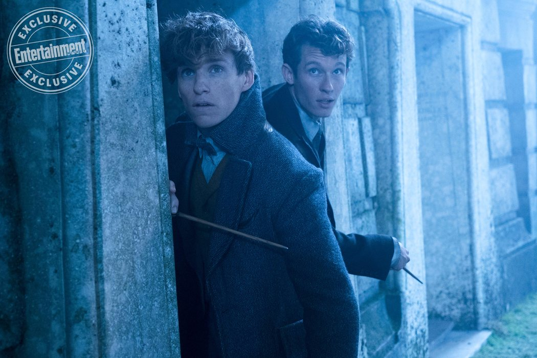 Newt y su hermano mayor Theseus (Callum Turner)