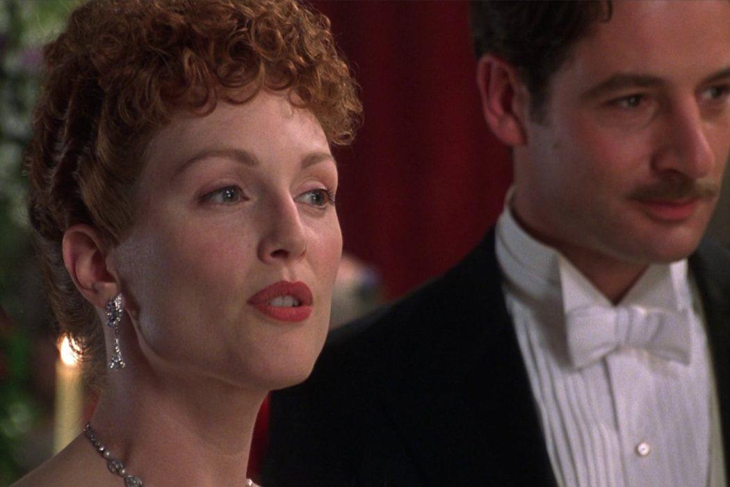 Mrs. Laura Cheveley en 'Un marido ideal'