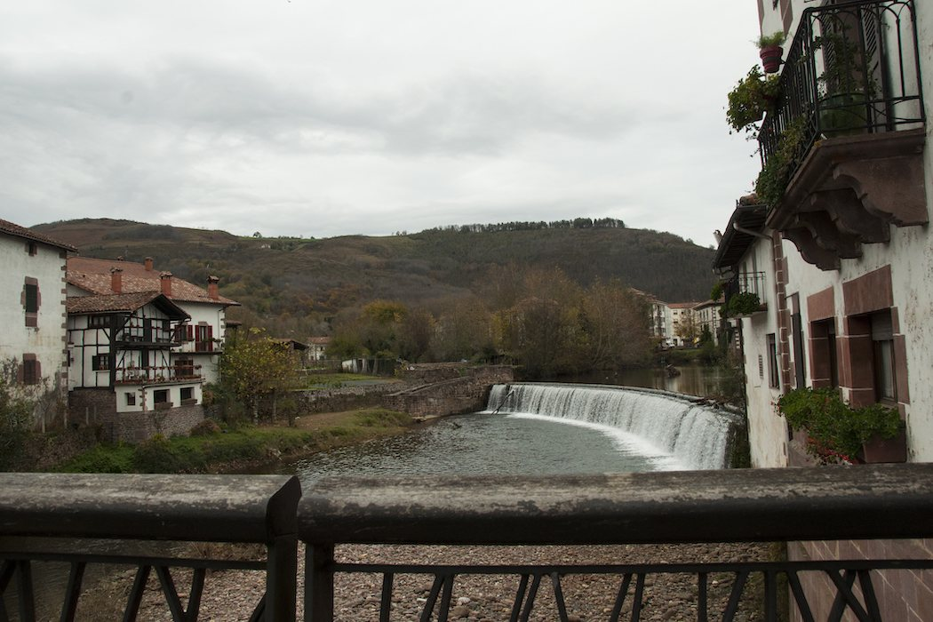 Vista desde el famoso puente de Elizondo