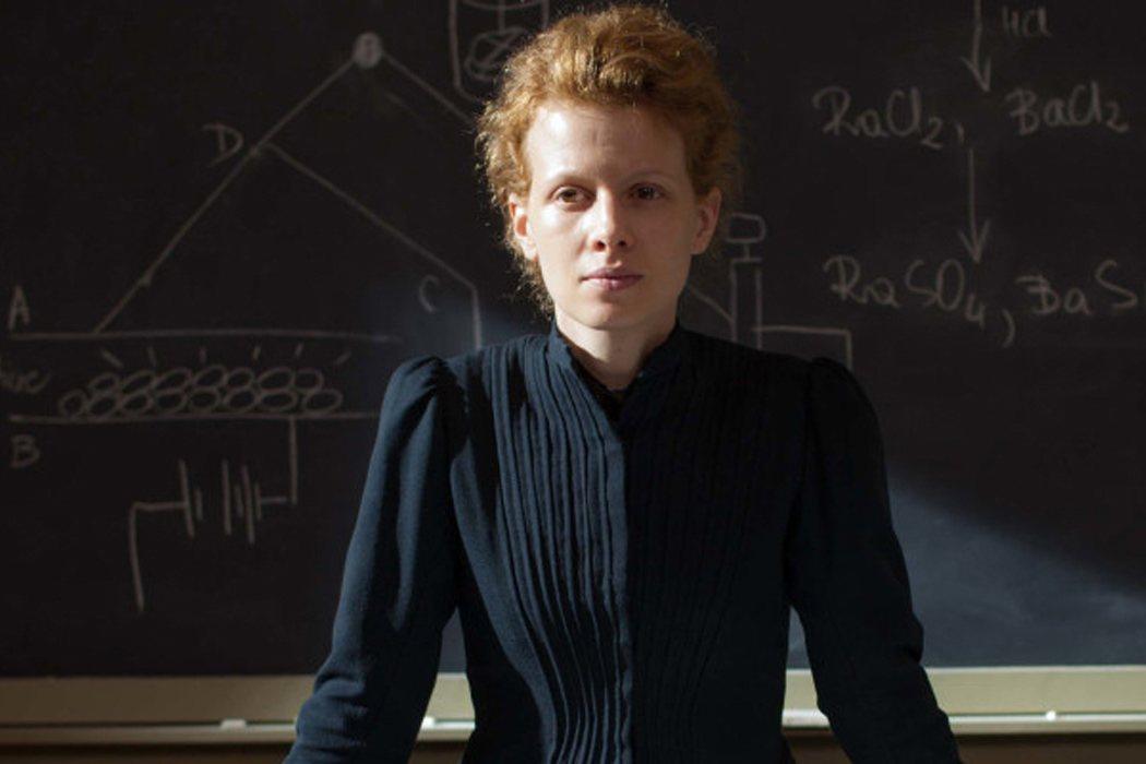 Marie Curie en 'Madame Curie' (1943) y 'Marie Curie' (2016)