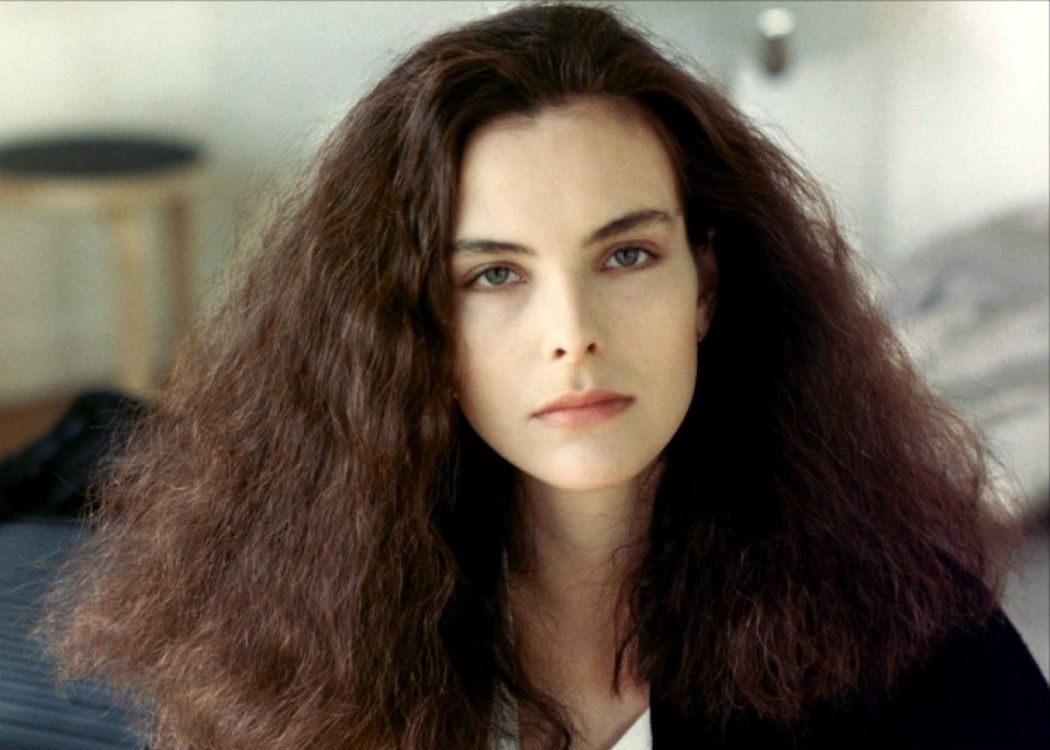 Carole Bouquet: 24 años (No le hace falta peinarse)