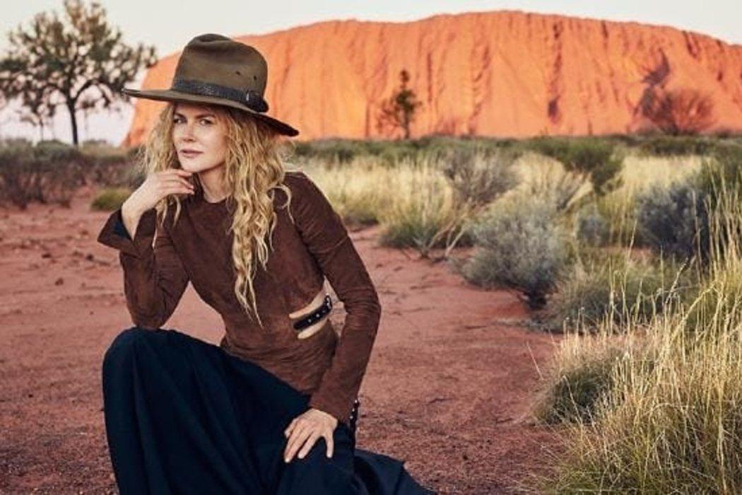 Lejos de Australia