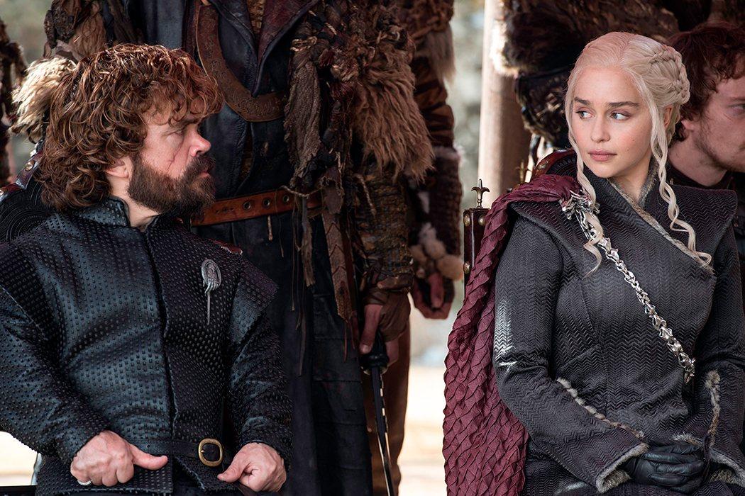 Tyrion traicionará a Daenerys (y está enamorado de ella)