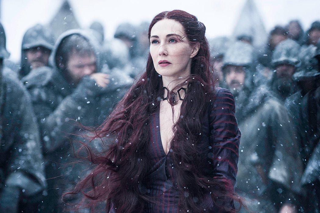 Melisandre regresará con un ejército de sacerdotes rojos