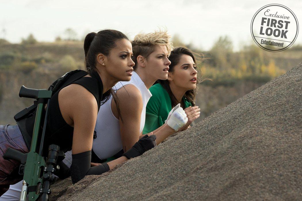 Ella Balinska, Kristen Stewart y Naomi Scott