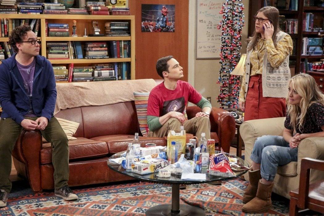 Leonard, Sheldon, Amy y Penny en el mítico salón