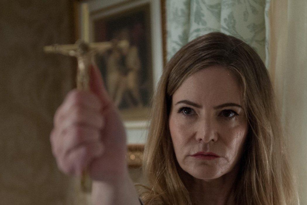 Jennifer Jason Leigh en 'Amityville: El despertar' (2017)