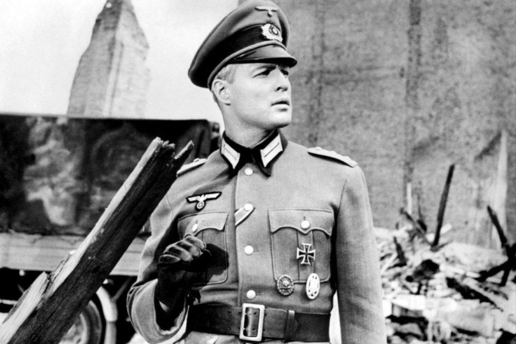 Teniente Christian Diestl en 'El baile de los malditos' (1958)