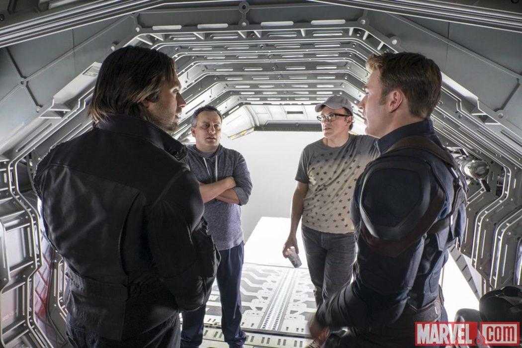 Chris Evans y Sebastián Stan con Joe Russo y Anthony Russo