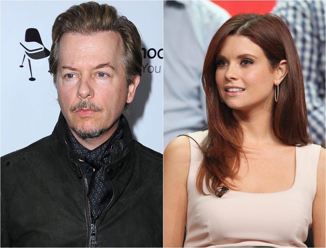 David Spade y Joanna Garcia Swisher fichan por 'The Kicker' de la CBS