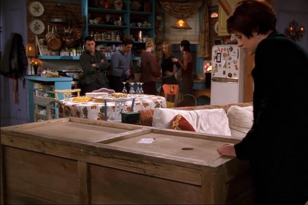 4x08: 'El de Chandler dentro de una caja'