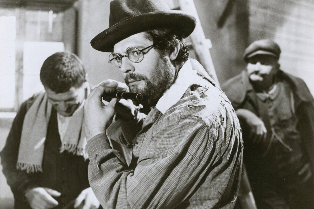 Profesor Sinigaglia en 'Los camaradas' (1963)