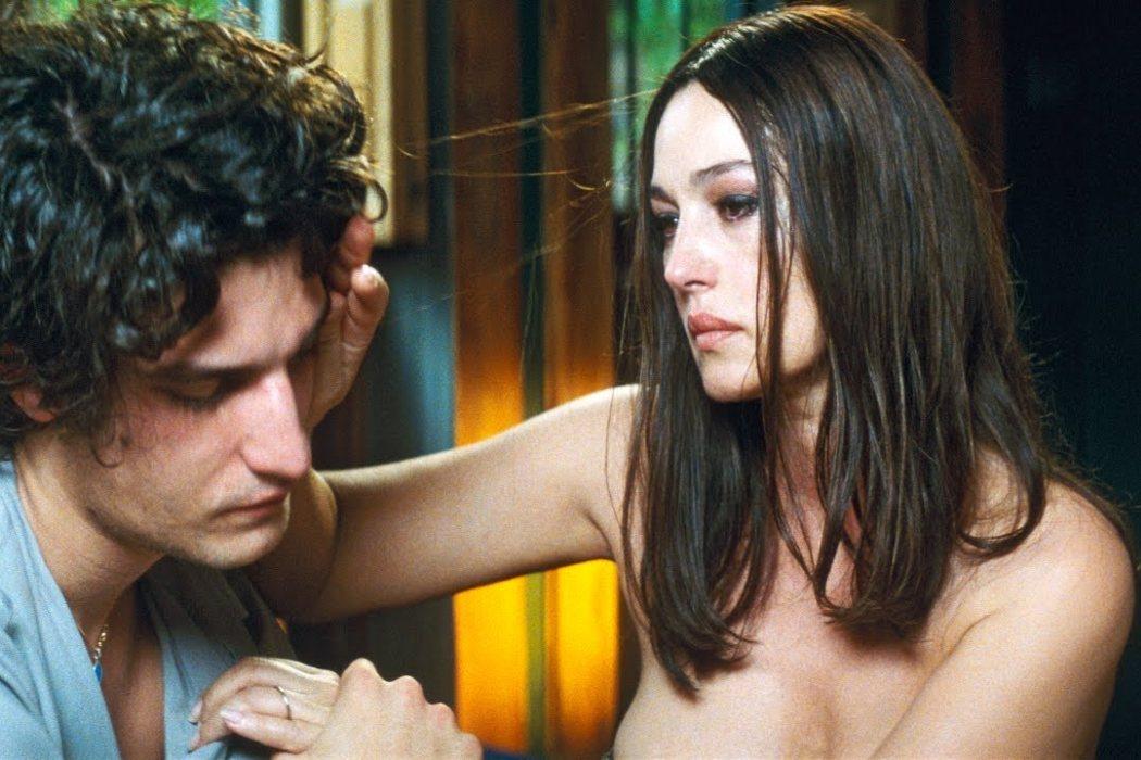 Angèle en 'Un verano ardiente' (2011)