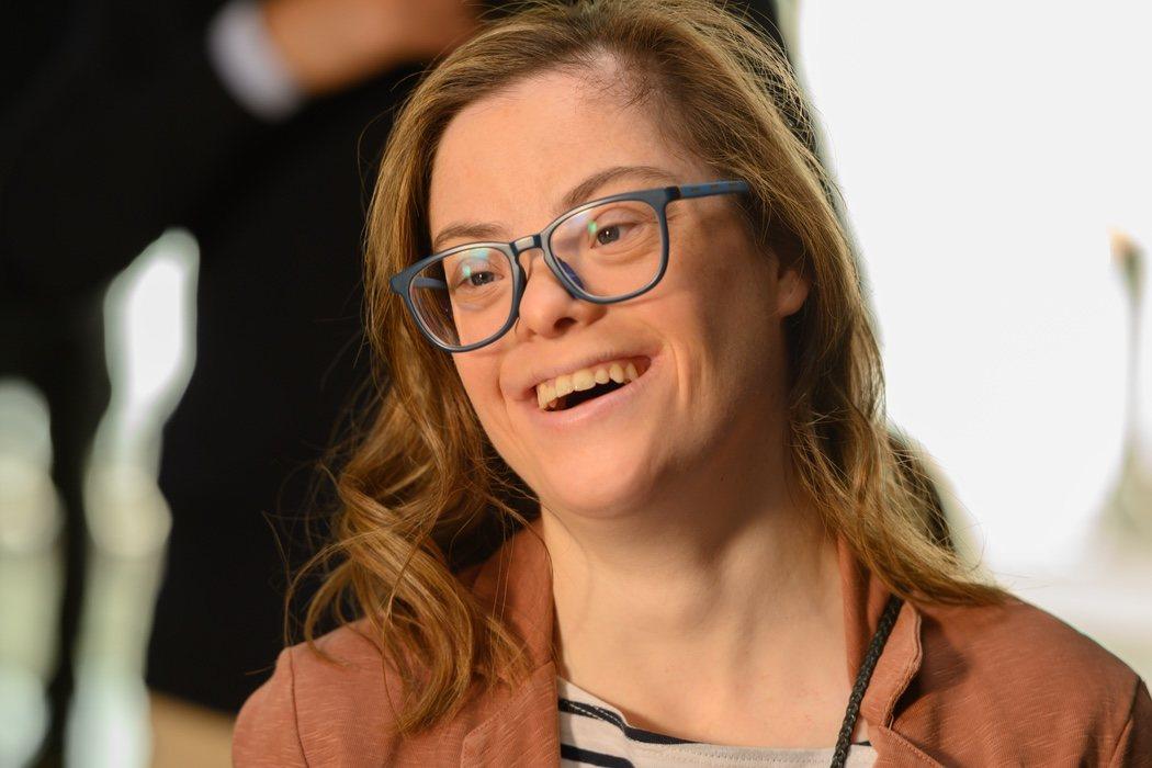 Laura (Gloria Ramos): hija del personaje de María Pujalte