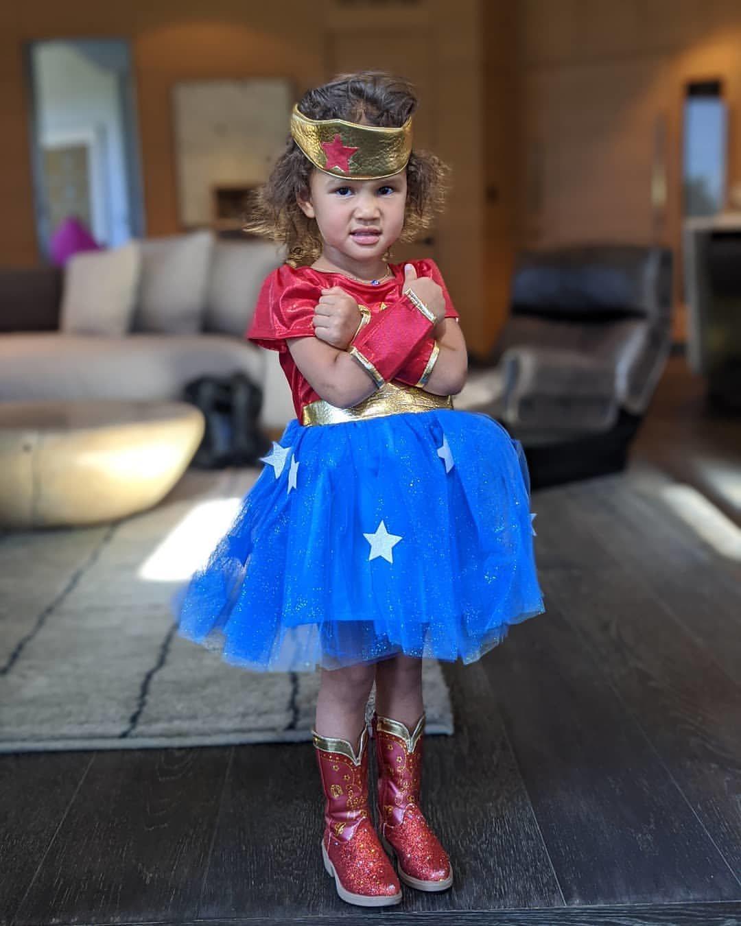 Luna Stephens, hija de John Legend y Chrissy Teigen, de Wonder Woman