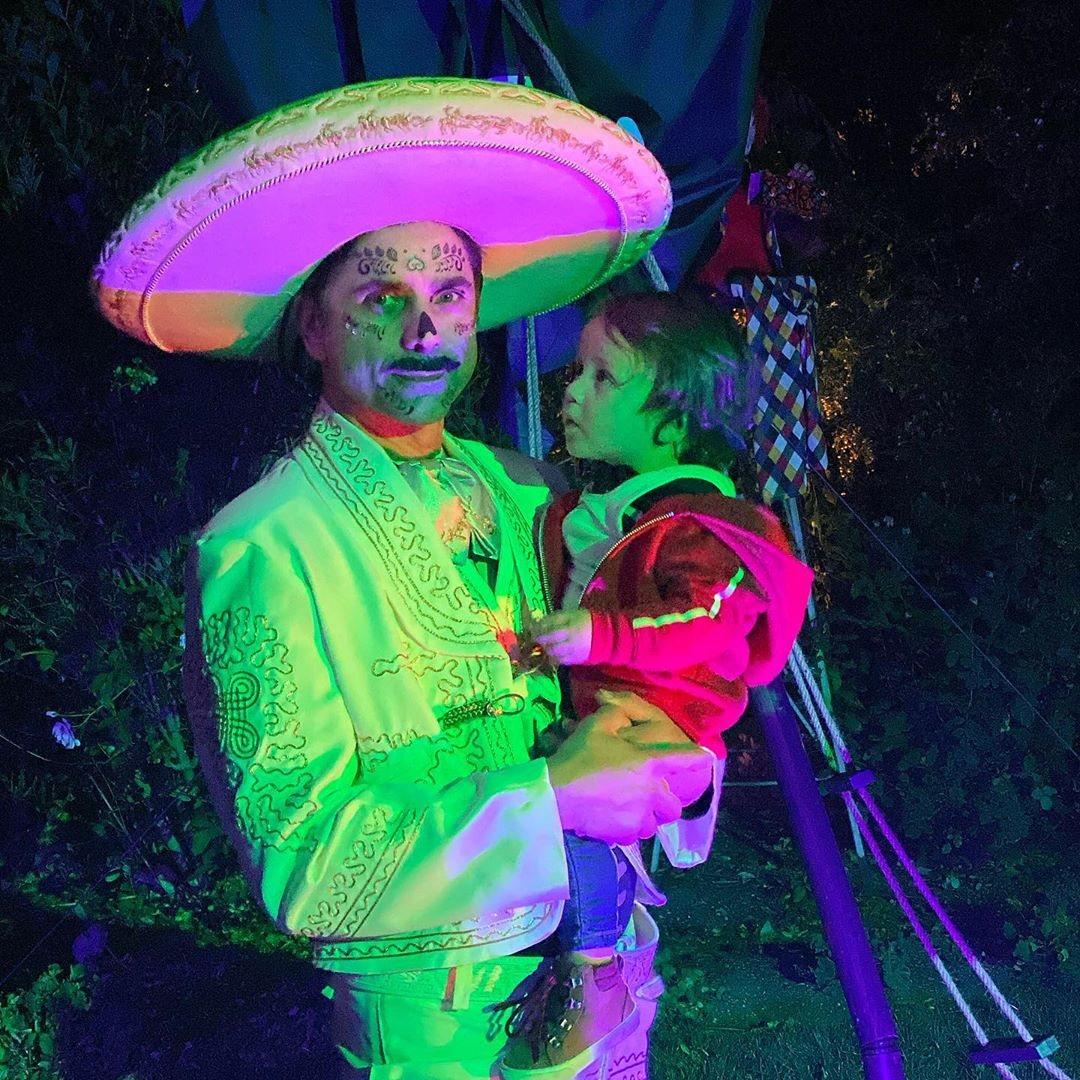 John Stamos de Ernesto De La Cruz de 'Coco'