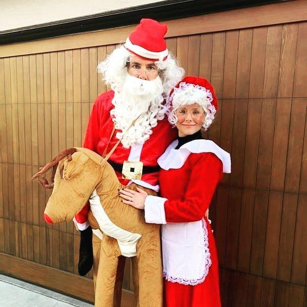 Kristen Bell y Dax Shepard de Sr. y Sra. Claus