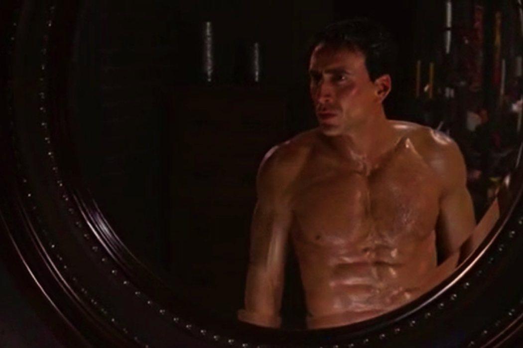 Los abdominales falsos de Nicolas Cage en 'Ghost Rider'