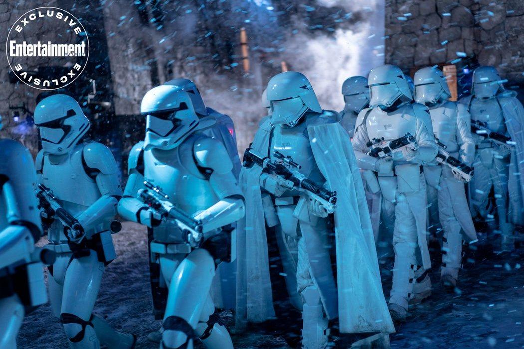 Soldados de Asalto de la Primera Orden en la nieve