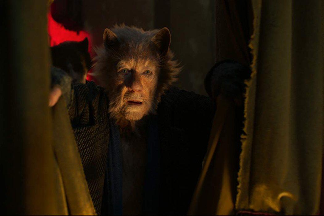 Ian McKellen es Gus the Theatre Cat