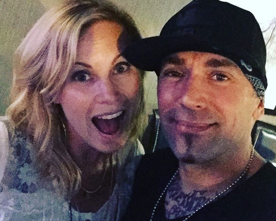 Catherine Sutherland y Jason David Frank