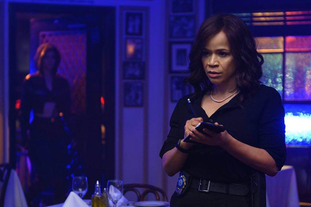 Rosie Perez (Renée Montoya)