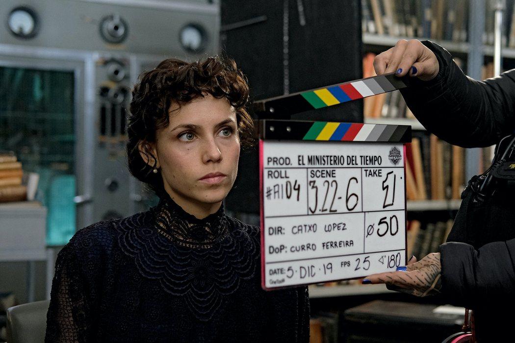 Amelia (Aura Garrido)