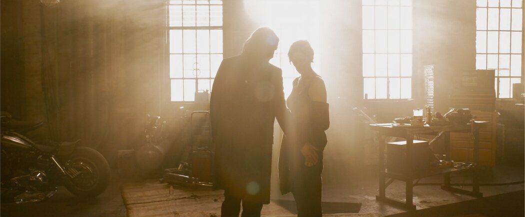 Keanu Reeves y Carrie-Anne Moss