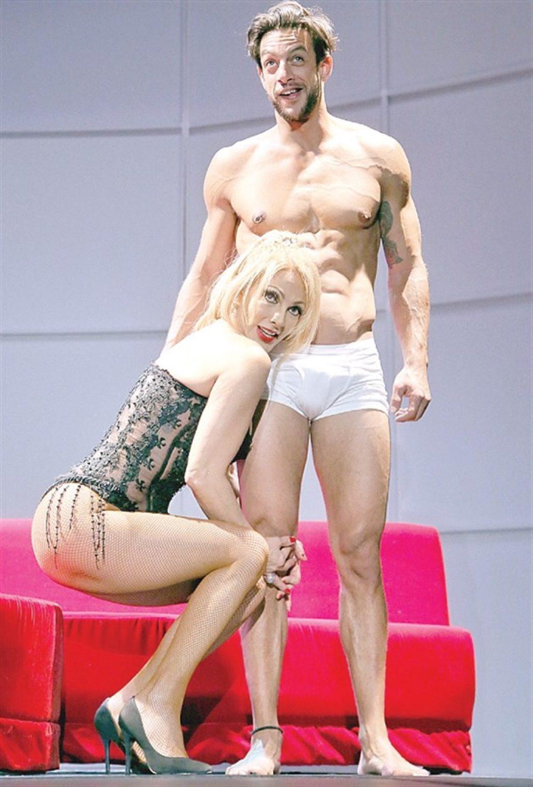 Danny pape en el desnudo