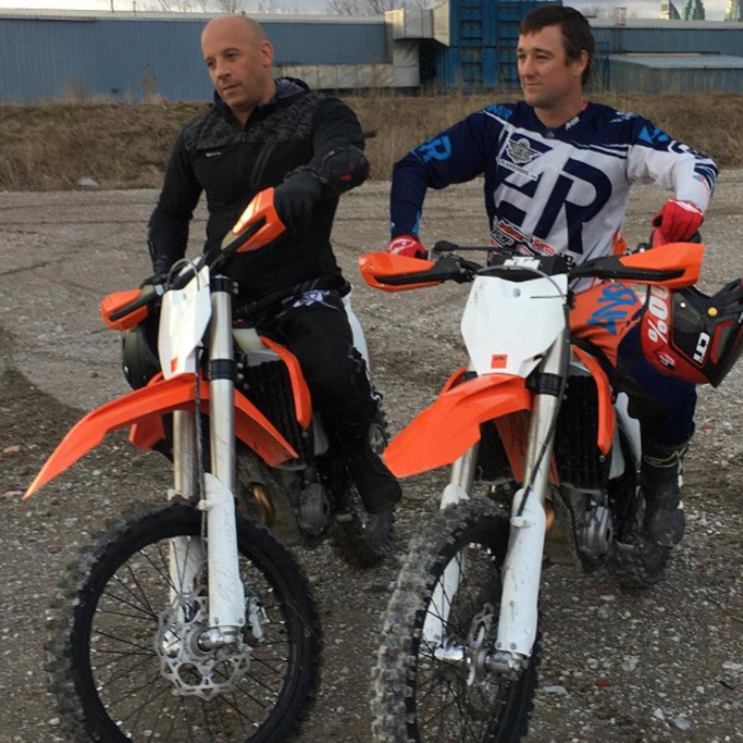 Vin Diesel practica con las motos