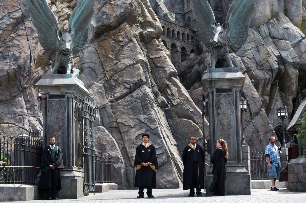 El castillo de Hogwarts en el parque de 'Harry Potter' en Hollywood