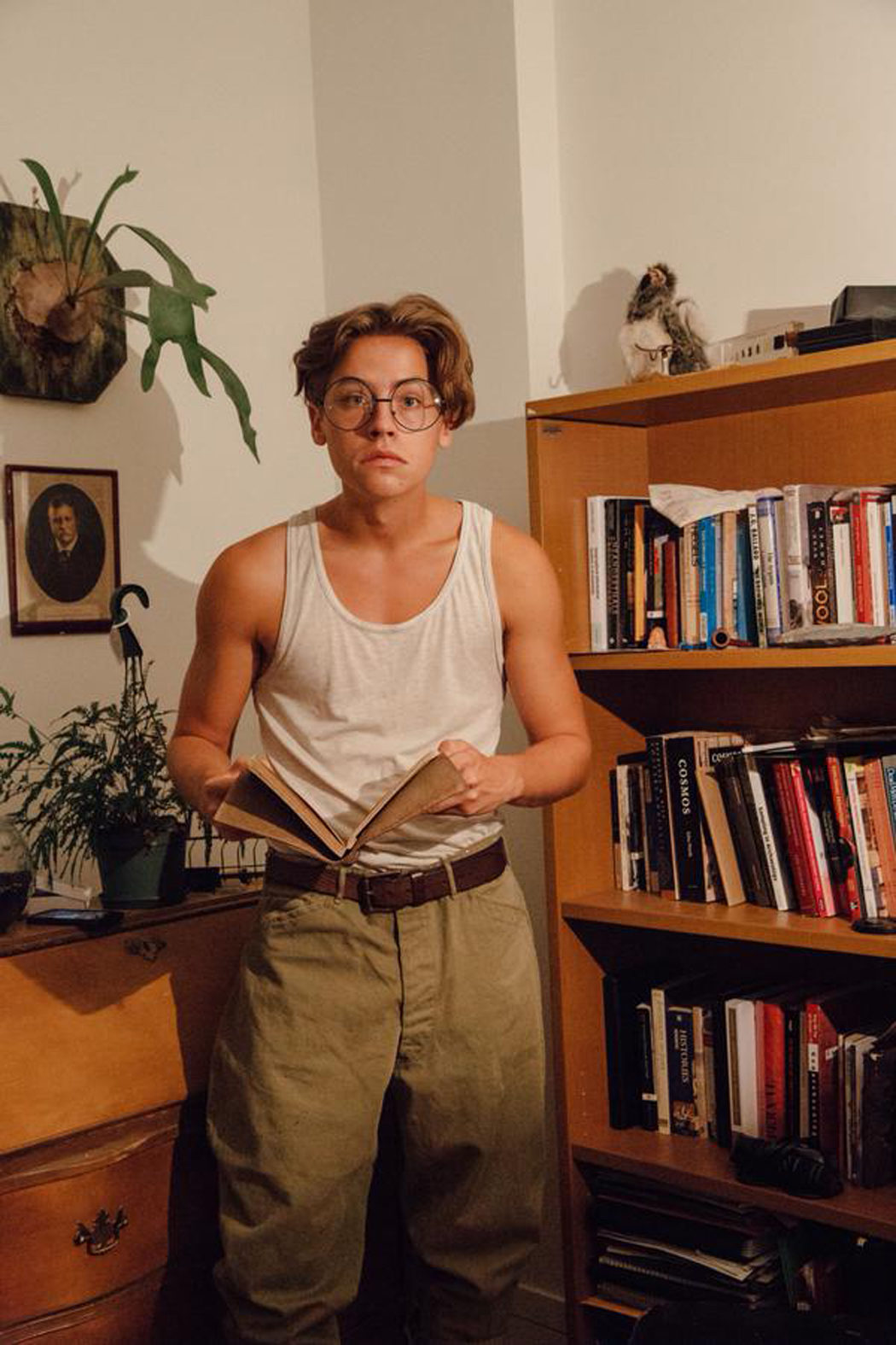 Cole Sprouse se disfraza de Milo Thatch
